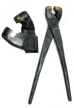 Pliers for round rivets