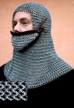 Chain hood with face protection (from right to left)