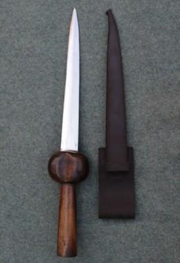 Men Bollock  Dagger-Popular from 13th to 18th century